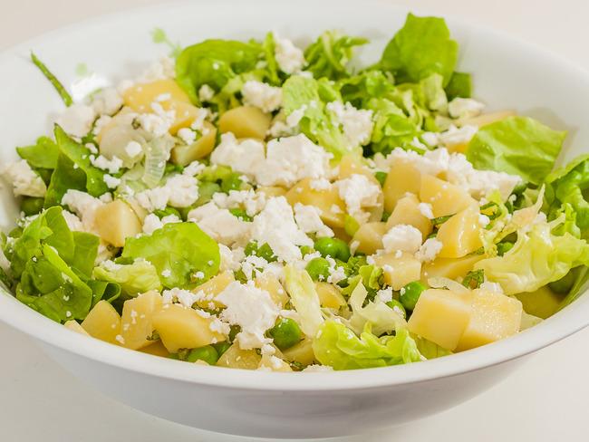 Salade de pommes de terre aux petits pois et à la fêta