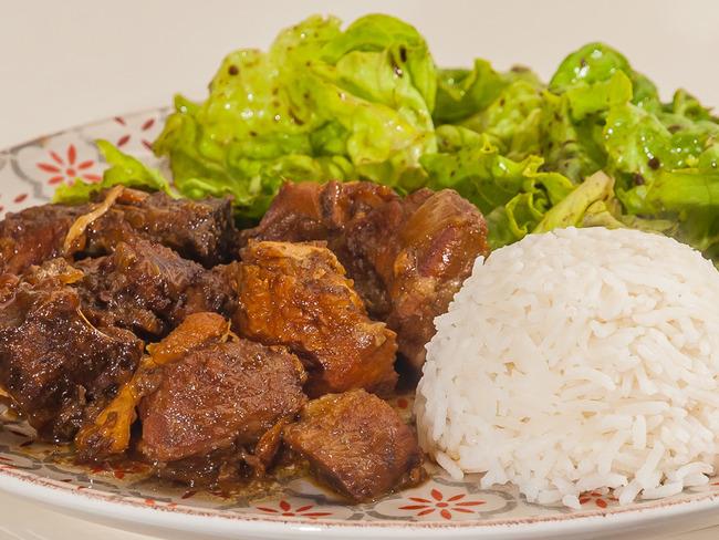 Adobo de porc et de poulet