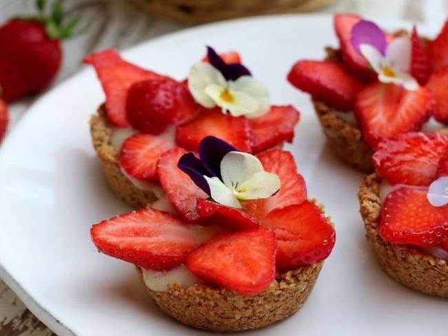 Petites tartelettes vegan aux fraises
