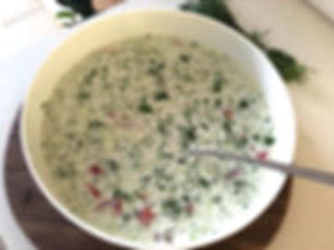 Okroschka au kéfir de lait et épices