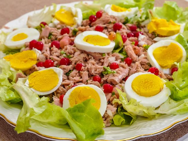 Salade de thon aux œufs durs et aux groseilles