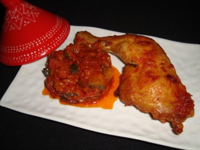 Tajine de poulet aux tomates et à la courgette