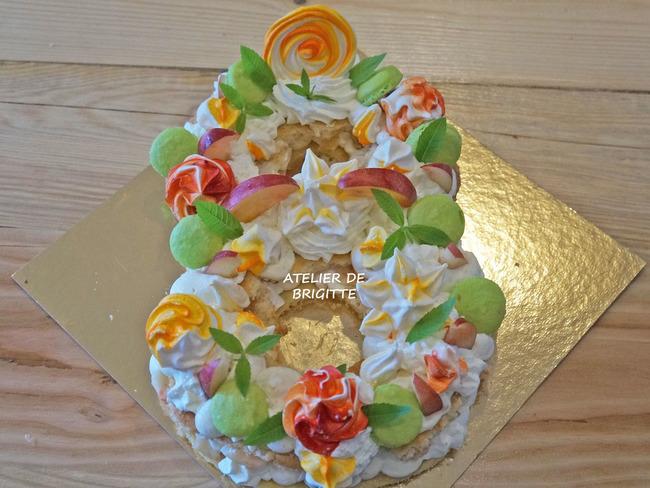 Number cake nectarine blanche, amandes et verveine citron