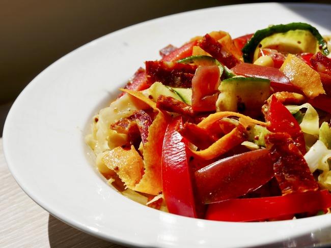 Tagliatelles de légumes de saison et pois chiches