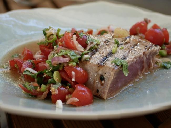 Thon rouge et concassée de tomates acidulées