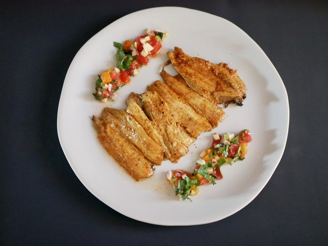 Filets de sardines grillés au cumin. Julienne de légumes acidulée.