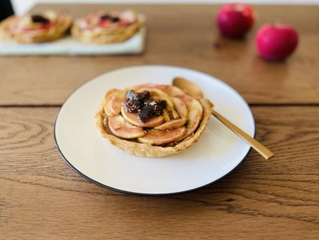 Tartelettes pommes figues sur fond de frangipane