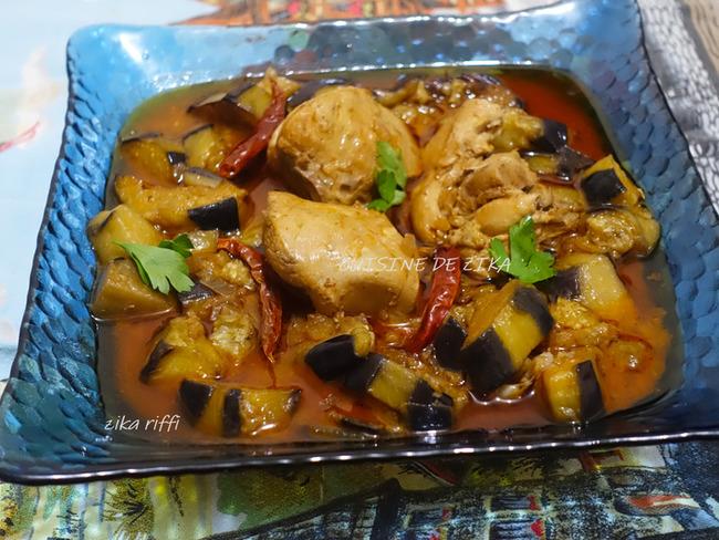 Tajine de poulet aux aubergines et carvi
