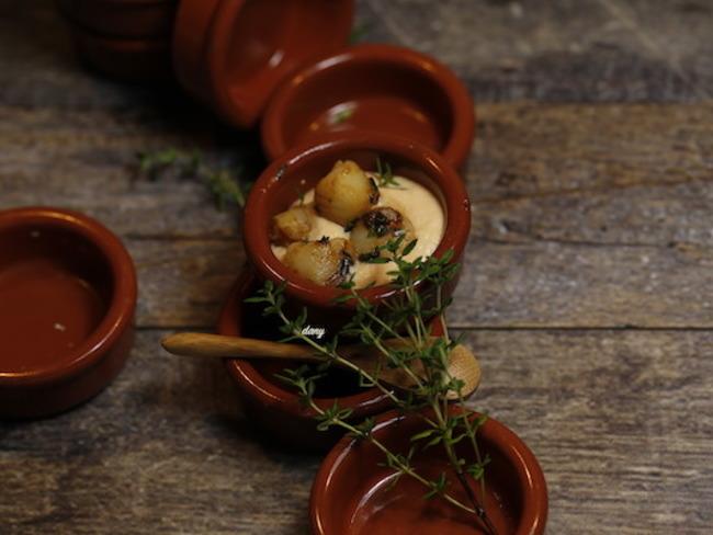 Espuma de tomate et pétoncles au thym