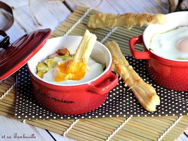 Oeufs cocottes aux poireaux et bacon