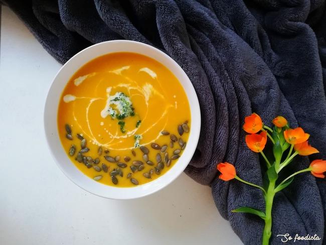 Velouté de butternut et poireaux au lait de coco, pointe de curry