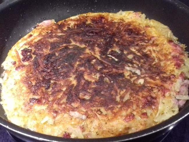 Rösti alsacien: galette de pomme de terre aux oignons et aux lardons - Emma cuisine