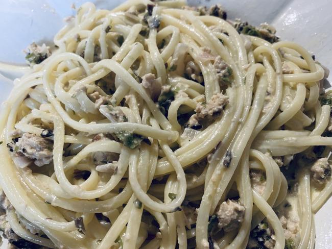 Spaghettis au thon et épices de la mer