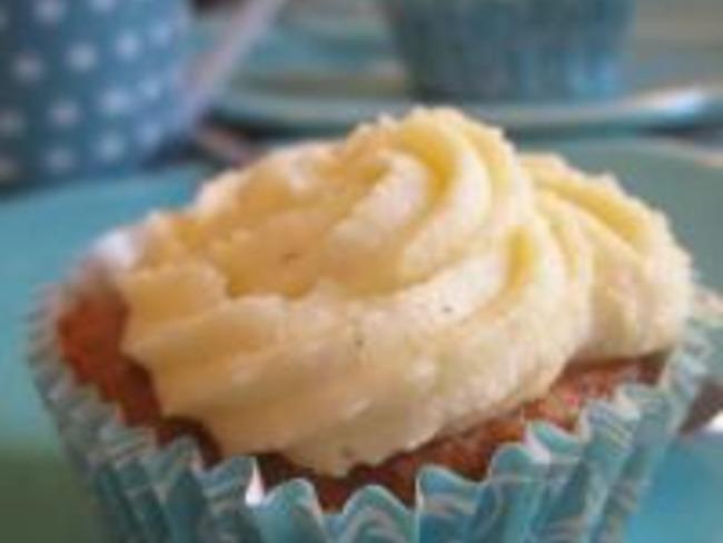 Cupcakes aux Dates et Crème Vanillée