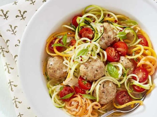 Soupe de boulettes de poulet au légumes