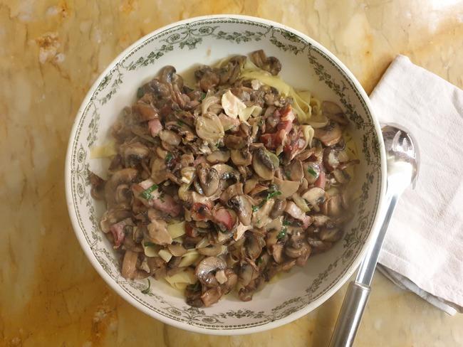 Pâtes à l'Epoisses et aux champignons