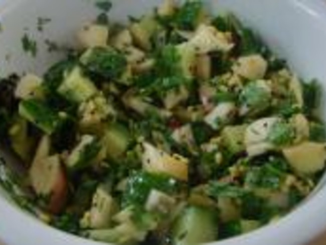 Salade Pommes, Concombre aux Haricots Moong