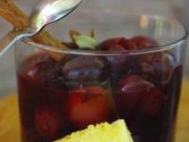 Soupe de Cerises aux Épices et au Grand Marnier