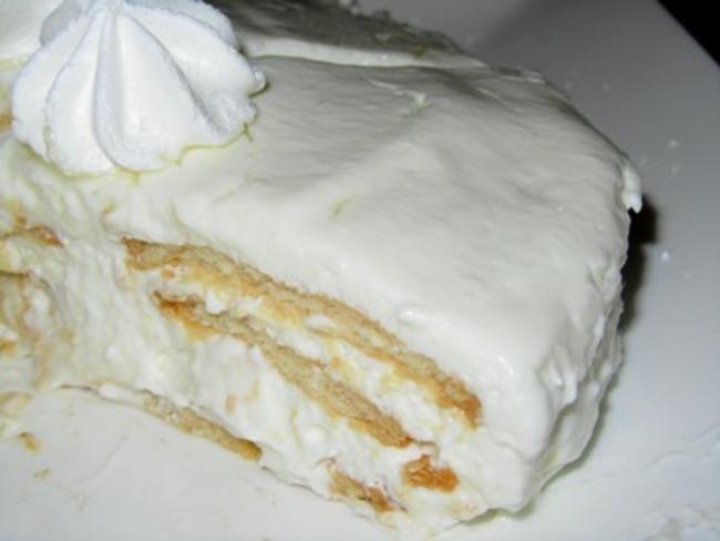 Gâteau mousseux estonien aux biscuits et au fromage