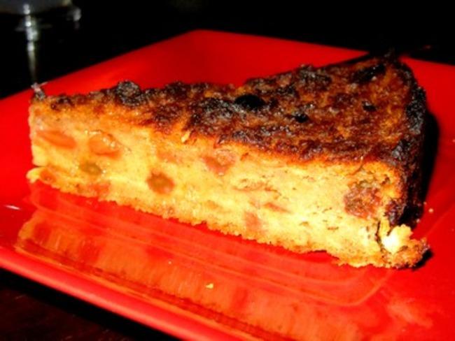 Pudding aux raisins avec les restes de pain
