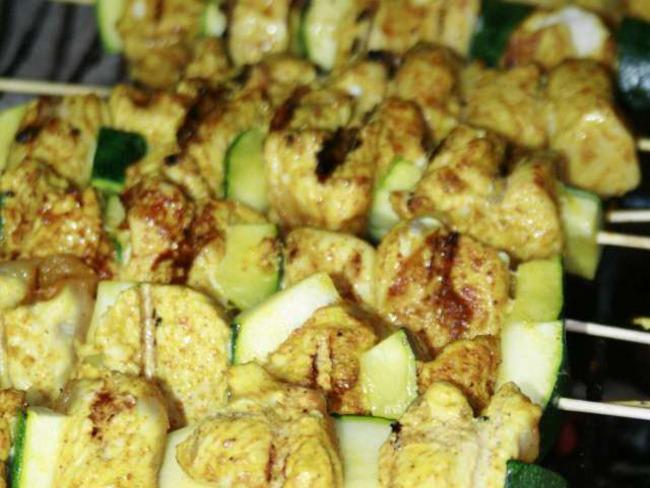 Brochettes Courgette et Dinde, marinée au Curry