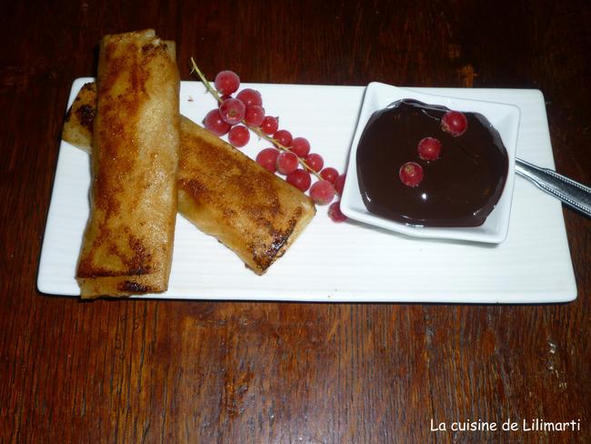 nems aux poires caramélisées et sauce chocolat