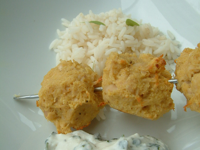 Brochettes de volaille épicées sauce fromage blanc
