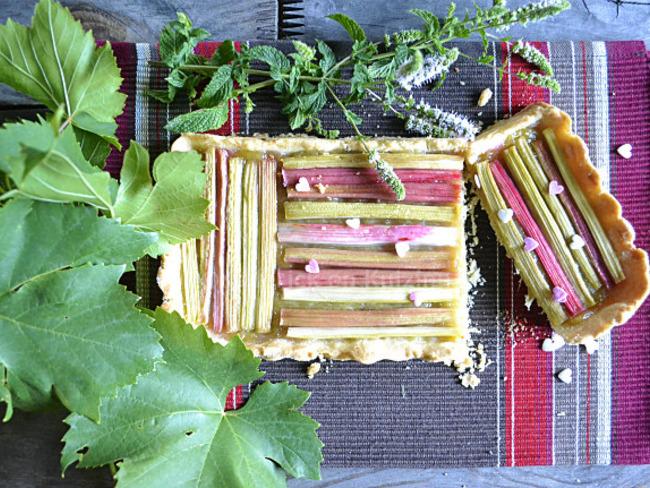 Tartelette rectangulaire à la rhubarbe bio