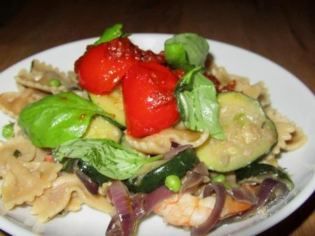 Farfalles aux écrevisses et légumes confits au wok