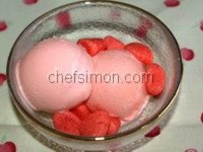 Glace aux fraises tagada