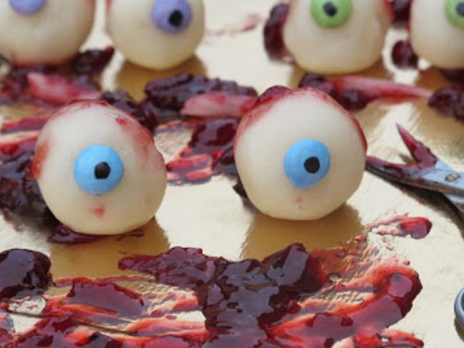 Des yeux en pâte d'amande