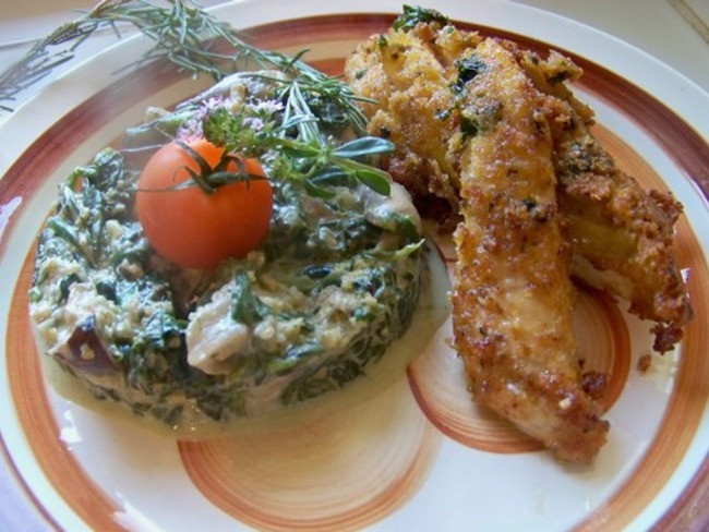 Aiguillettes de poulet panées au basilic et fondue de jeunes pousses d'épinard et champignons
