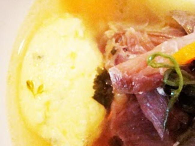 Pot-au-feu de canard confit aux saveurs thais, et gnocchis au fromage frais