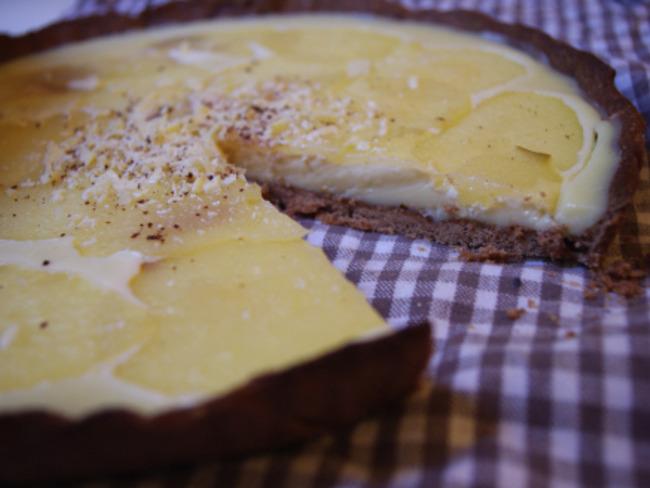 Tarte chocolat blanc et poires pochées au vin blanc
