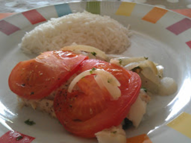 Filet de poisson à la tomate et à la moutarde
