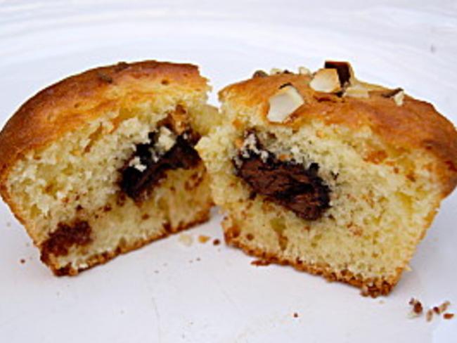 Muffins à l'amande, coeur de chocolat