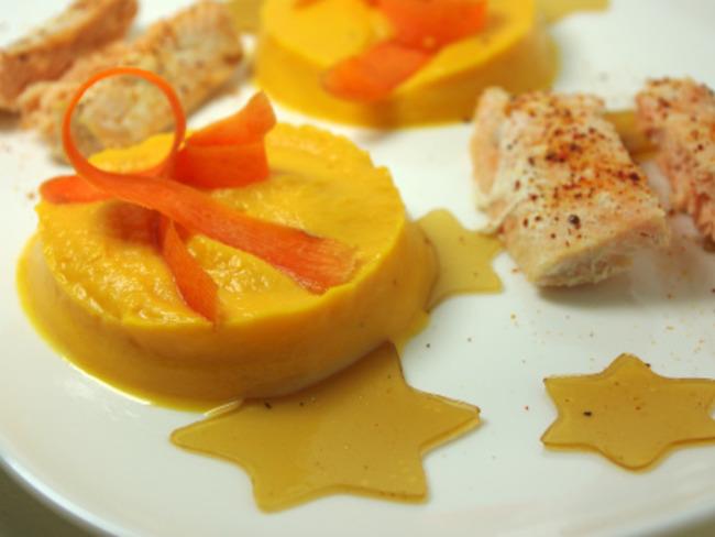 Saumon au piment d'espelette, purée de patates douces et gelée de thé
