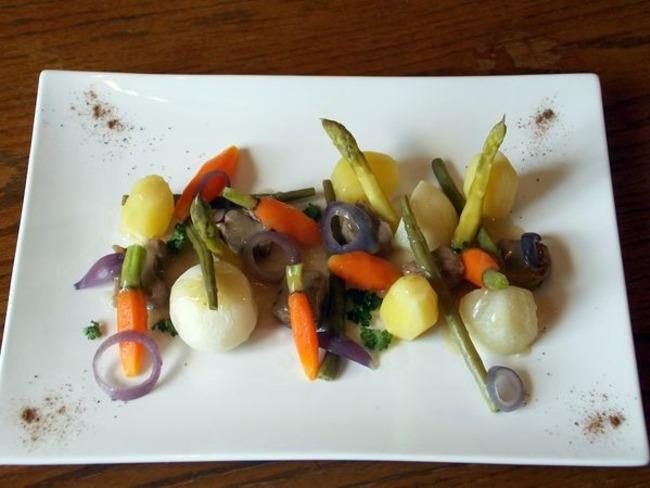 Agneau aux oignons rouges et ses légumes primeurs