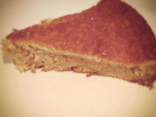 Le Gâteau moelleux à la rhubarbe