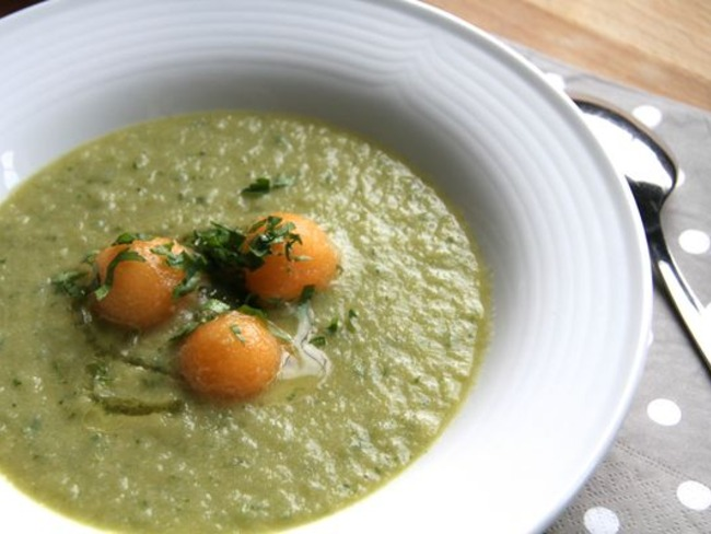 Soupe glacée concombre, melon et fenouil