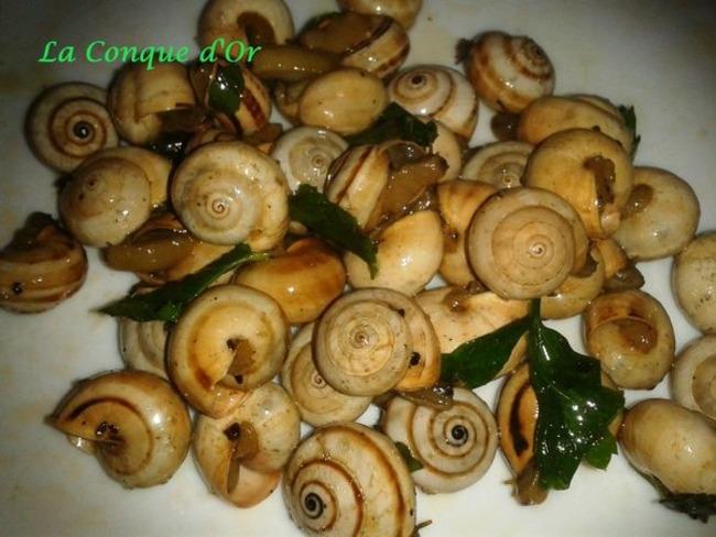 Petits escargots parfumés à la menthe, persil et ail