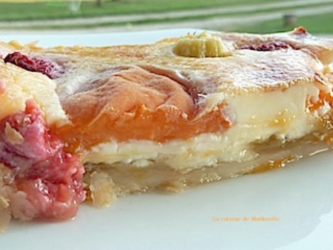 Tarte gourmande aux abricots et à la rhubarbe