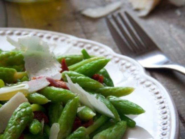 Salade d'ornithogales ou asperges des bois ou aspergettes