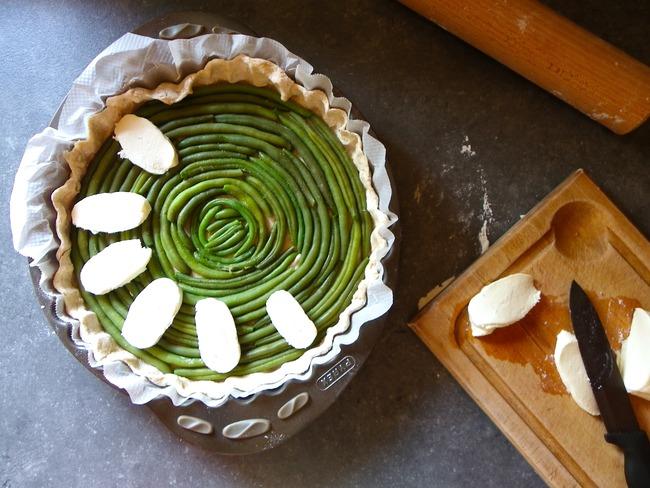 Tarte complète aux haricots verts, mozzarella et thym