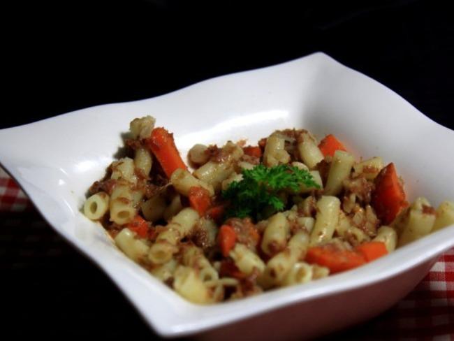 Macaronis au Corned Beef et carottes