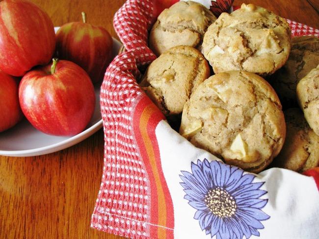 Muffins sans gluten aux pommes et au poivre de la Jamaïque