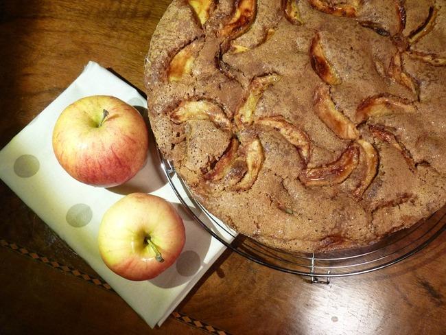 gâteau au bon goût de vieilles pommes