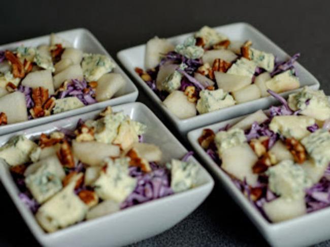 Salade d'automne, chou, poire, bleu d'auvergne