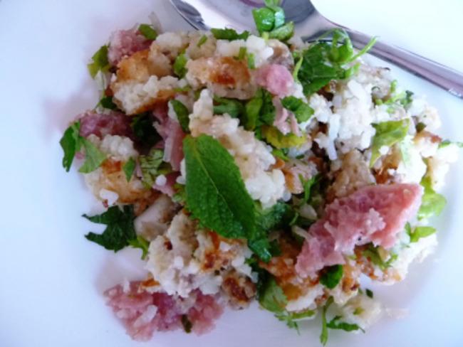 Salade de riz croustillant laotienne nem thadeua ou nem lao