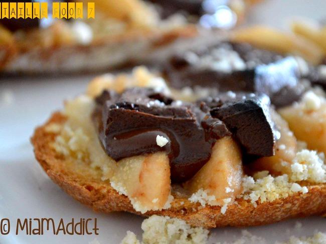 Tartines poires chocolat et amandes